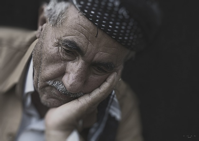 starý muž s problémy