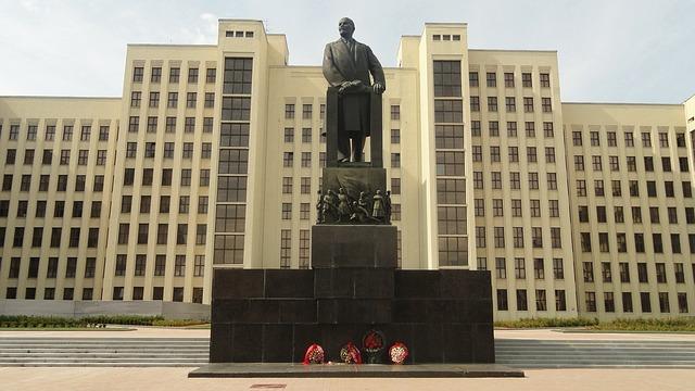Nepostradatelná socha Lenina