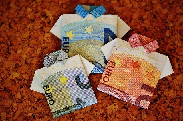 origami – 3 košile z bankovek.jpg